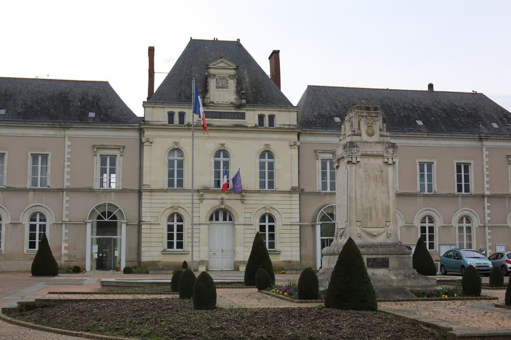 Hôtel de ville, le Lion-d'Angers
