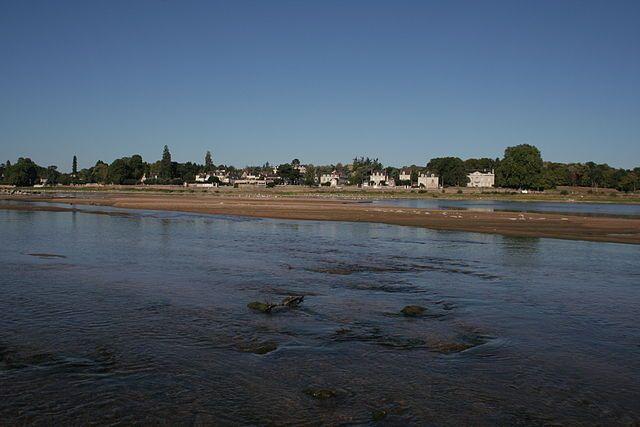 La Pointe, vue de la rive opposée de la Loire